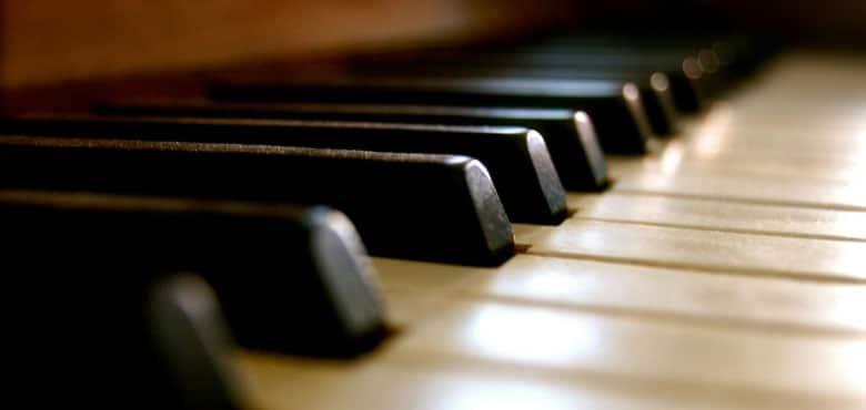 piano spend cover