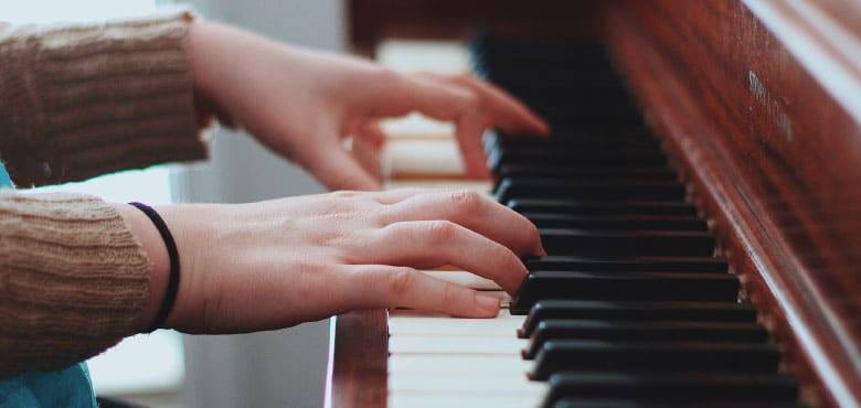 How to Play Piano Chords - A Beginner's Guide